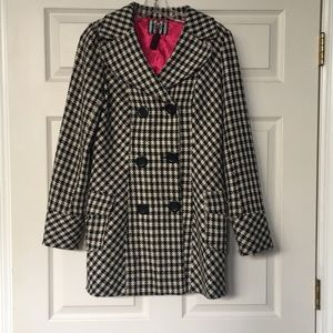 Hounds tooth pea coat.